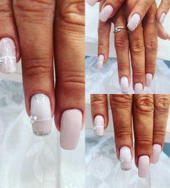 Des mains et des ongles